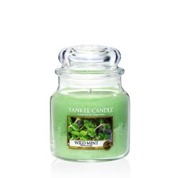 Scented candle Yankee Candle color green   Wild Mint Medium Jar online price for sale:  24.90 €
