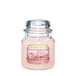 Scented candle Yankee Candle color pink   Blush Bouquet Medium Jar online price for sale:  24.90 €