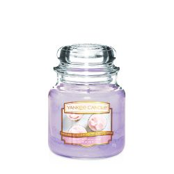 Scented candle Yankee Candle color violet   Sweet Morning Rose Medium Jar online price for sale:  24.90 €