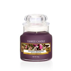 Scented candle Yankee Candle color violet   Moonlit Blossoms Small Jar online price for sale:  8.33 €