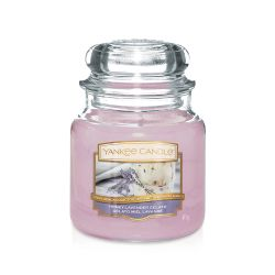 Scented candle Yankee Candle color lilac   Honey Lavender Gelato Medium Jar online price for sale:  24.90 €