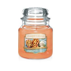Scented candle Yankee Candle color orange   Grilled Peaches & Vanilla Medium Jar online price for sale:  24.90 €