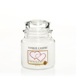 Scented candle Yankee Candle color white   Snow In Love Medium Jar online price for sale:  24.90 €